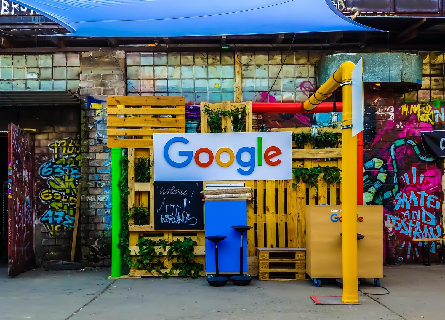 Google logo at an independent cafe